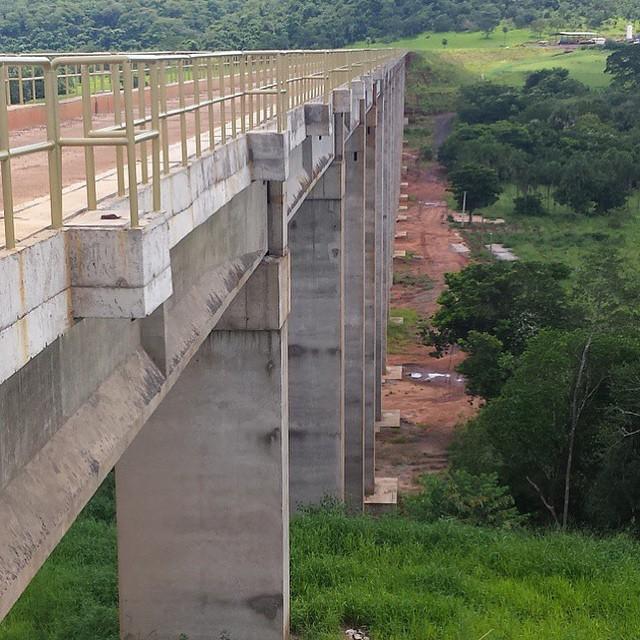 Black River Bridge in Quirinopolis, Goiás - Ferrovia Norte Sul, 560 meters  long. 160c249a08