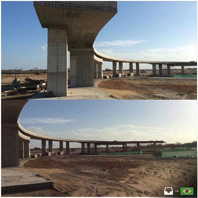 Portaria residencial da Laguna Ecopark Residence, que fica em Croatá, Ceará (Brasil). Foi projetado pela @meestrutural e utiliza concreto protendido nas lajes como solução estrutural para vencer os vãos. Texto e foto enviados por @joaopdecastro ////////// Residential entrance of the Ecopark Laguna Residence, located in Croatá, Ceará (Brazil). It was designed by @meestrutural and uses prestressed concrete slabs as the structural solution to support the spans. Text and photo sent by @joaopdecastro
